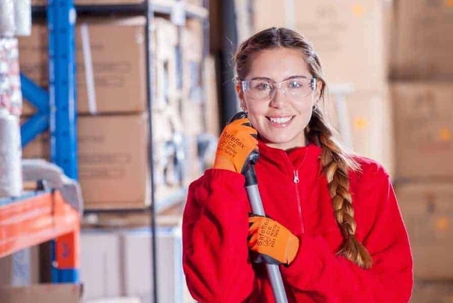 Is Acetone Harmful - safety glasses should be worn when handling acetone