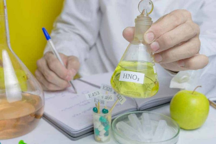 What is nitric acid